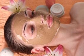 Дрожжевую маску можно наносить не только на лицо, но и на область шеи