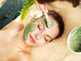Маски из петрушки помогут отбелить кожу