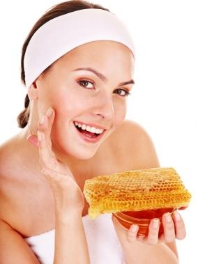 Маски с медом помогают от прыщей
