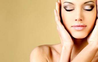 Маска из меда и корицы для улучшения кожи