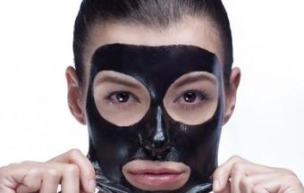 Маска из активированного угля для лица