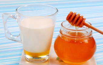 Маски из меда и кефира - эффективно и недорого