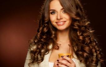 Маски для красоты волос из меда и яйца